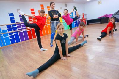 Уроки в студии танцев Dance Life