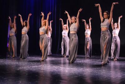Коктейль из социальных танцев